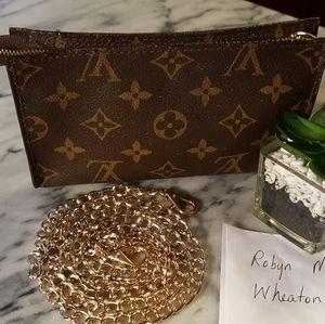 Louis Vuitton Bucket Pouch 17 (#1)